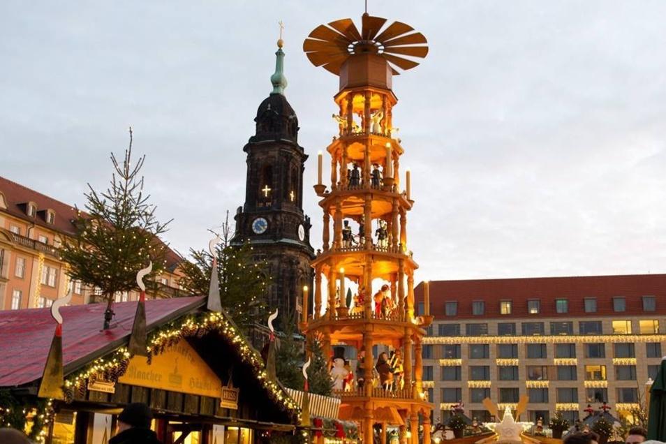 Deutschlands ältester Weihnachtsmarkt hat bis zum 24.12.2013 geöffnet.