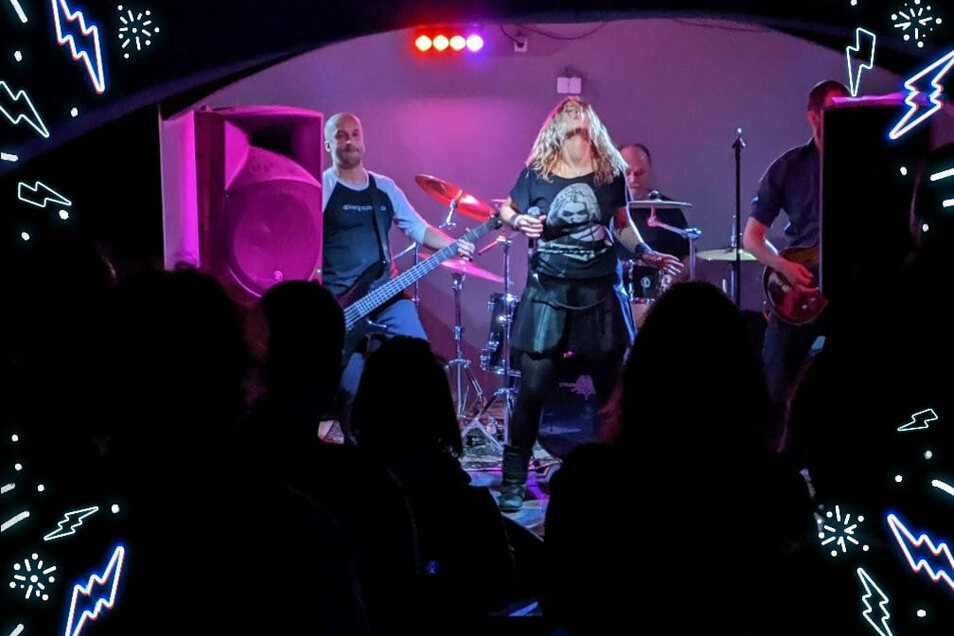 Wenn Alena Trojanova bei Konzerten mit ihrer Band loslegt, feiern die Fans sie. Zurzeit gibt es wegen Corona wenig Live-Auftritte, doch die Musiker hoffen auf das nächste Jahr.