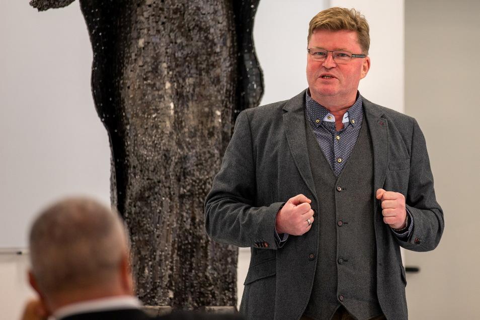 Olaf Schwalbe (CDU) ist für weitere sieben Jahre als ehrenamtlicher Bürgermeister von Dorfhain gewählt.