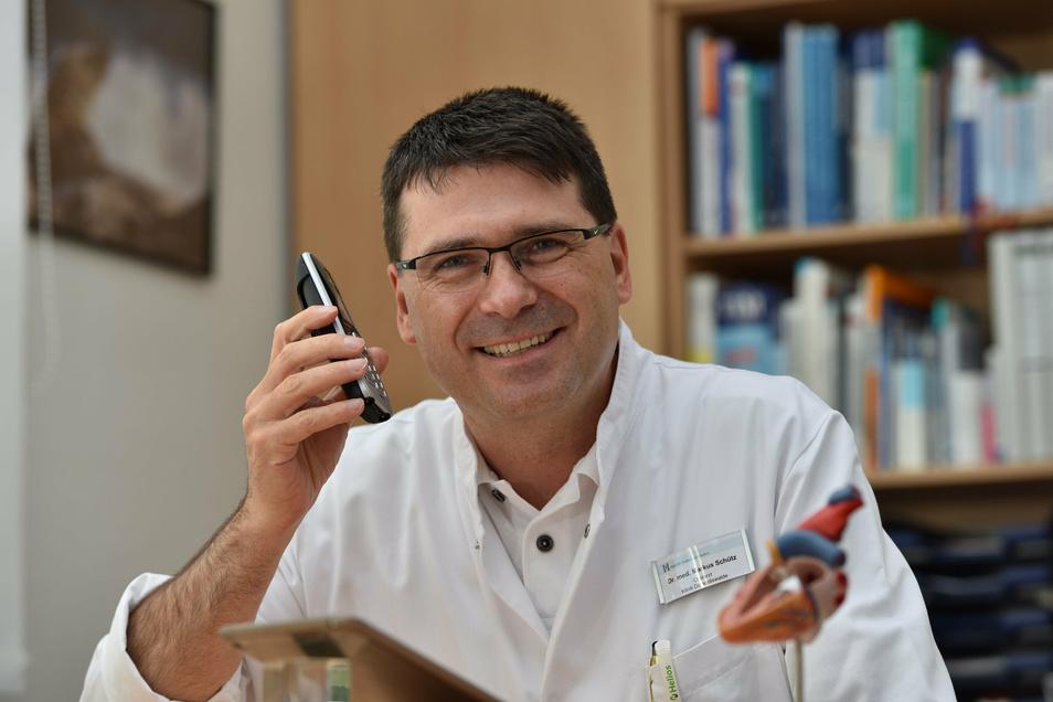 Chefarzt Dr. Markus Schütz ist Herzspezialist und beantwortet im Expertenchat die Fragen der Patienten.
