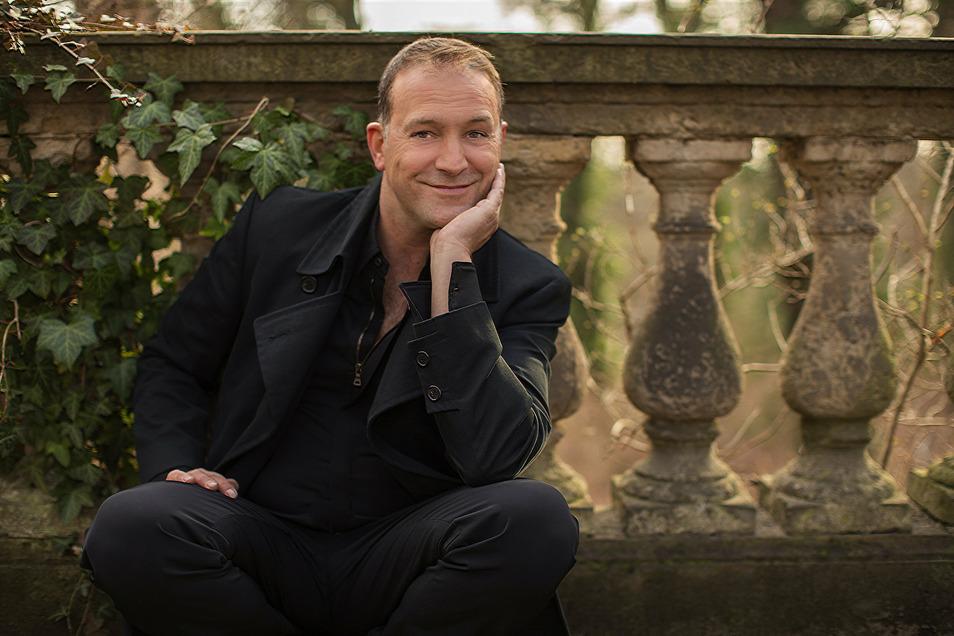 """Björn Casapietra ist deutschlandweit auf Tournee - aktuell mit seinem Programm """"Hallelujah - Meine schönsten Himmelslieder."""" Am 5. September tritt er in Bischofswerda auf."""