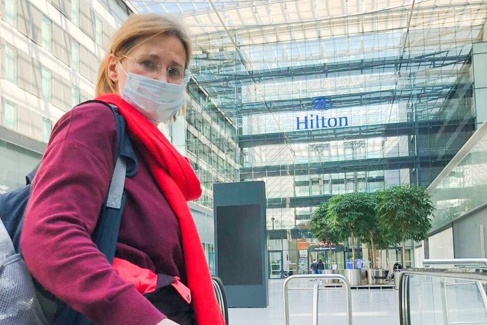 Vor ihrem Flug nach Mallorca büßten Elena Arlt und ihr Mann beim Warten auf die Testergebnisse etliche Nerven ein.