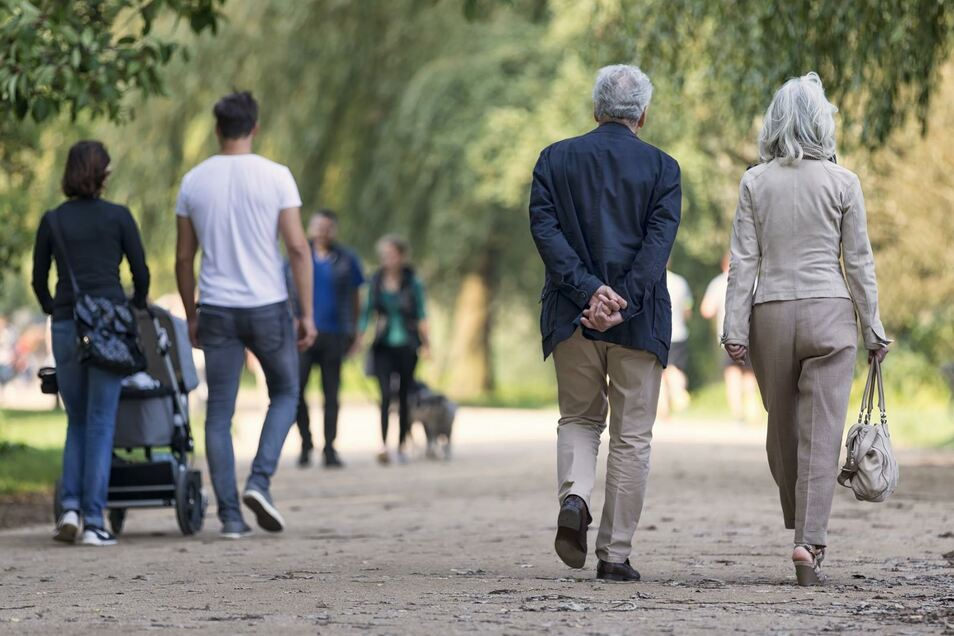 Am Leben teilnehmen und es mit allen Sinnen genießen: Das ist – mit Einschränkungen – auch im Alter noch möglich.