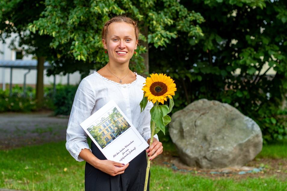 Lara-Sofie Berger hat sich für ein Studium der Zahnmedizin entschieden. Der Mix aus Handwerk und Arbeit mit Menschen gefällt ihr. Die Voraussetzungen hat sie mit einem Abschluss von 1,0 am Lessing-Gymnasium.