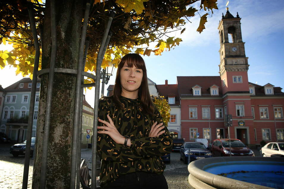 In Königsbrück kennt sie sich schon gut aus: Clara Scheffler ist die neue Wirtschaftsförderin für die Region an der B 97.