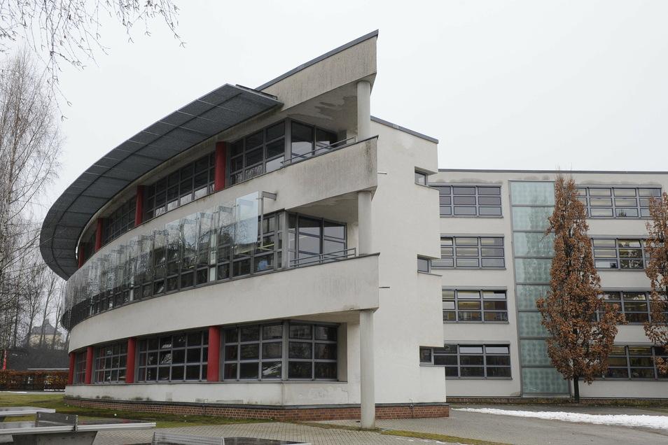 Am Martin-Luther-Gymnasium ist eine Lehrerin verabschiedet worden.