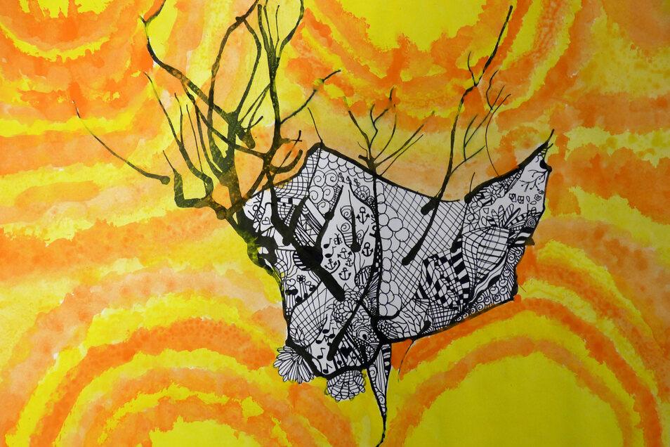 """Jilian Schloske schuf ein """"Fabelwesen"""" in Mischtechnik. Durch Drehen des Blattes entwickelten sich unterschiedliche Strukturen. Mit schwarzem Fineliner gestalteten wer die einzelnen Flächen."""
