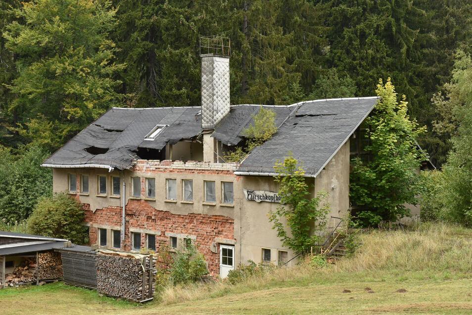 Sackt von Jahr zu Jahr in sich zusammen: die einstige Hirschkopfbaude in Hirschsprung.