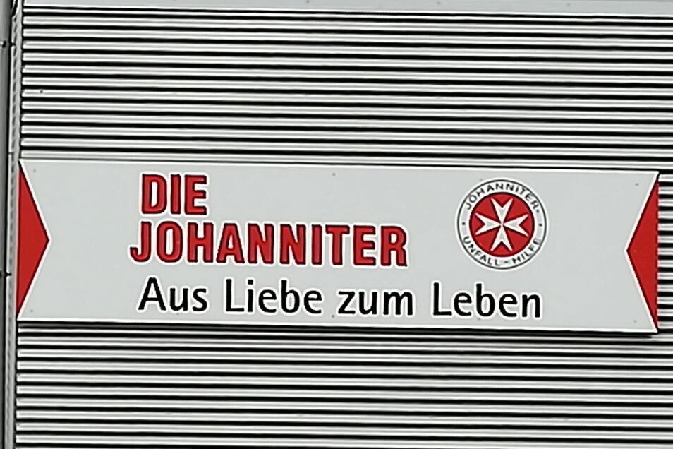 Die Leiniger Johanniter und Mitstreiter des DRK Döbeln-Hainichen helfen Flutopfern in der Region Remagen.
