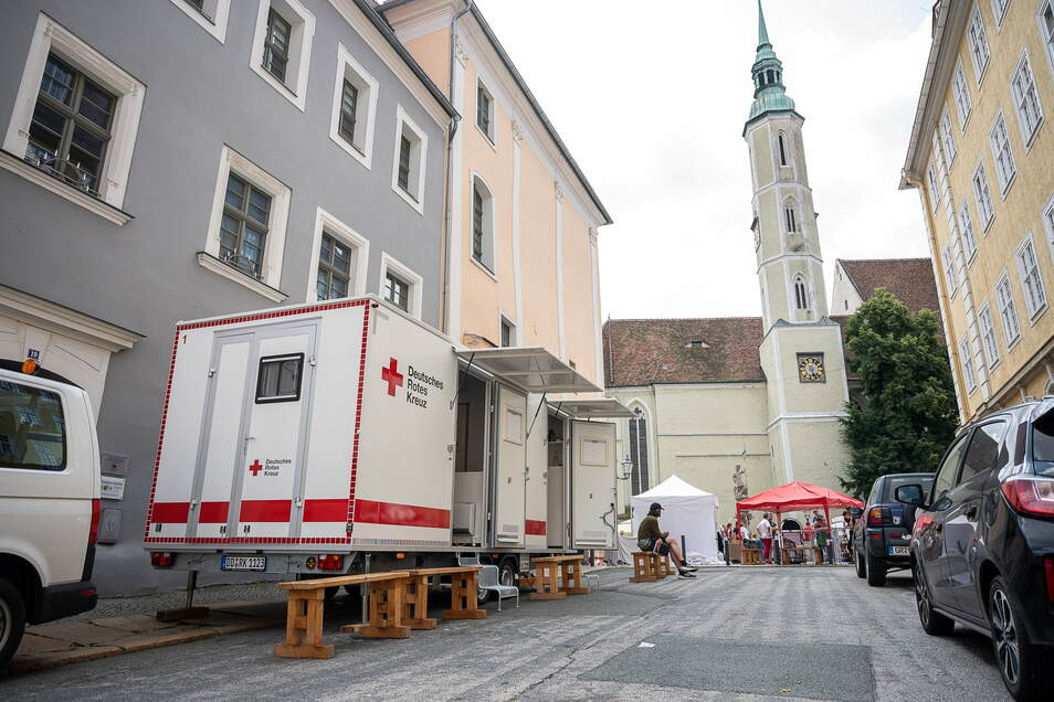 Am Rande des Schlesischen Tippelmarktes in Görlitz stand am vergangenen Wochenende auch ein Impfteam des DRK bereit.