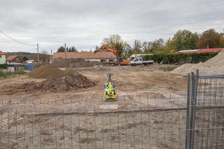 An der Stelle des abgerissenen alten Landhandels im Bannewitzer Ortsteil Hänichen soll ein Konsum entstehen.