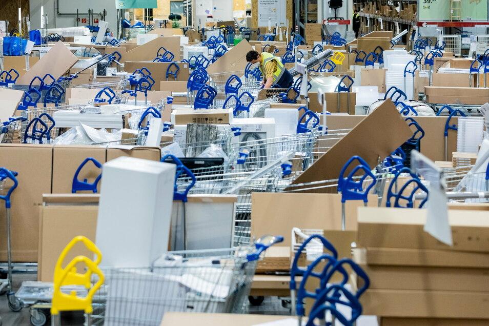 Bei Ikea in Düsseldorf läuft die Warenabgabe via Click&Collect schon auf Hochtouren.