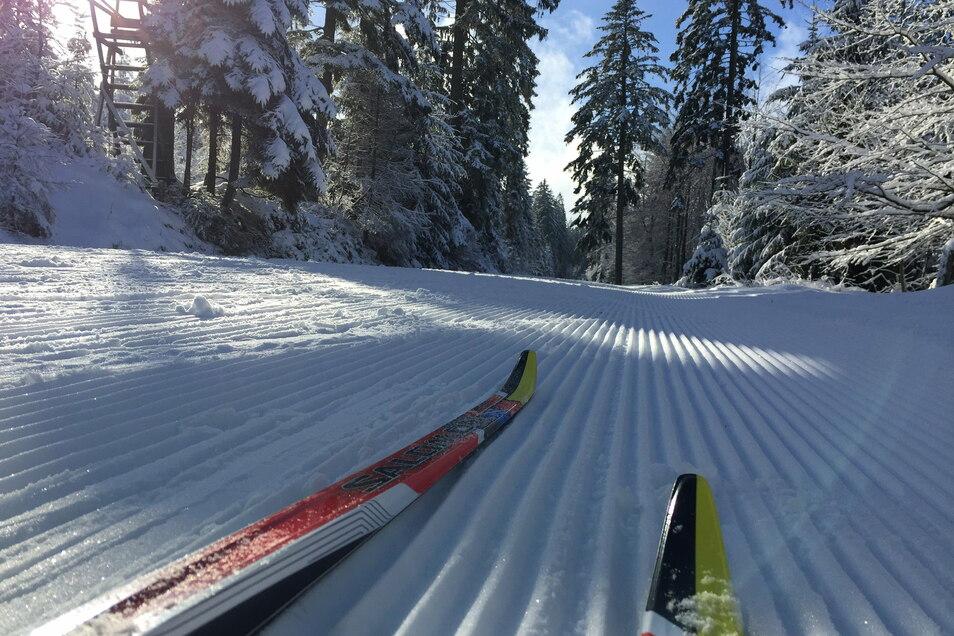 Weil im Sohlander Neudorf noch immer rund 20 Zentimeter Schnee liegen, wollen Ehrenamtler die Loipe an diesem Wochenende erneut präparieren.