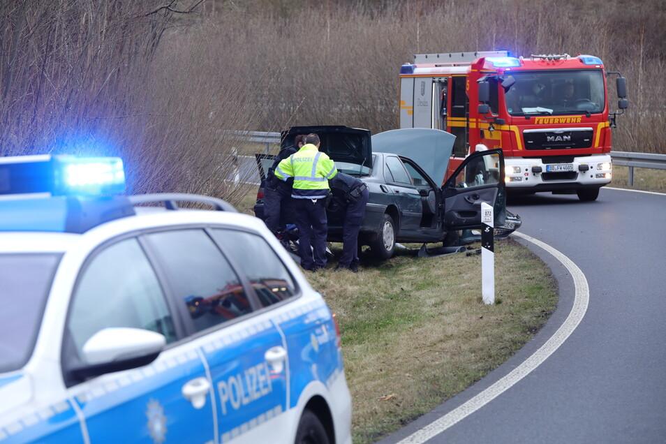 Der Peugeot wurde nach dem Unfall durchsucht.