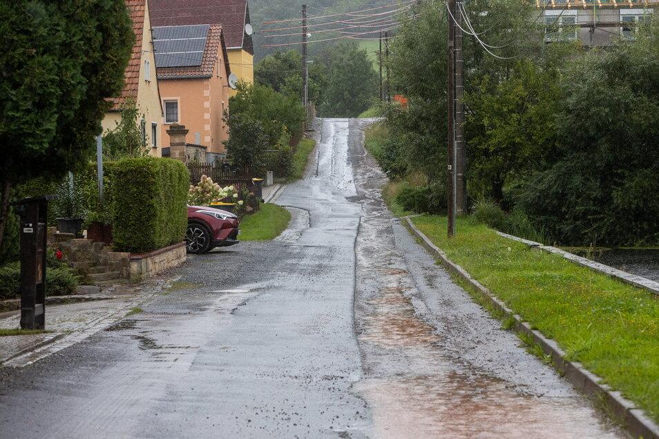 Am Borthener Weg in Gombsen werden bald Trinkwasser- und Gasleitungen sowie Stromkabel verlegt.
