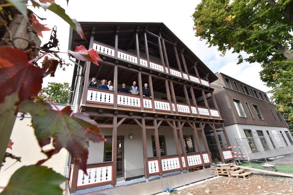 Die Fassade des Neubaus ähnelt der des Vorgängerbaus.
