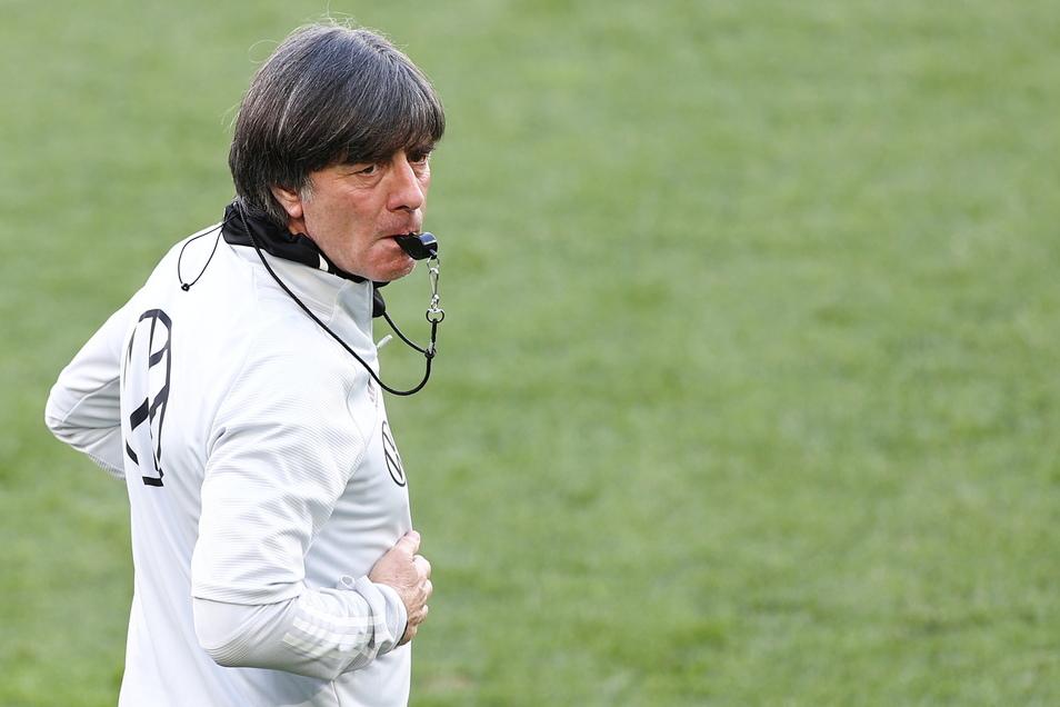 Joachim Löw gibt zum letzten Mal bei einem Turnier als Bundestrainer die Kommandos. Nach der EM tritt er ab.