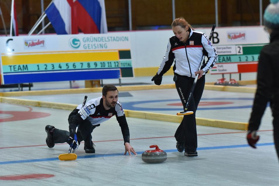 Andy Büttner und Julia Franke sind als Mixed-Team eine der erfolgreichsten Mannschaften, die der Curling-Sport in Geising hervorgebracht hat.