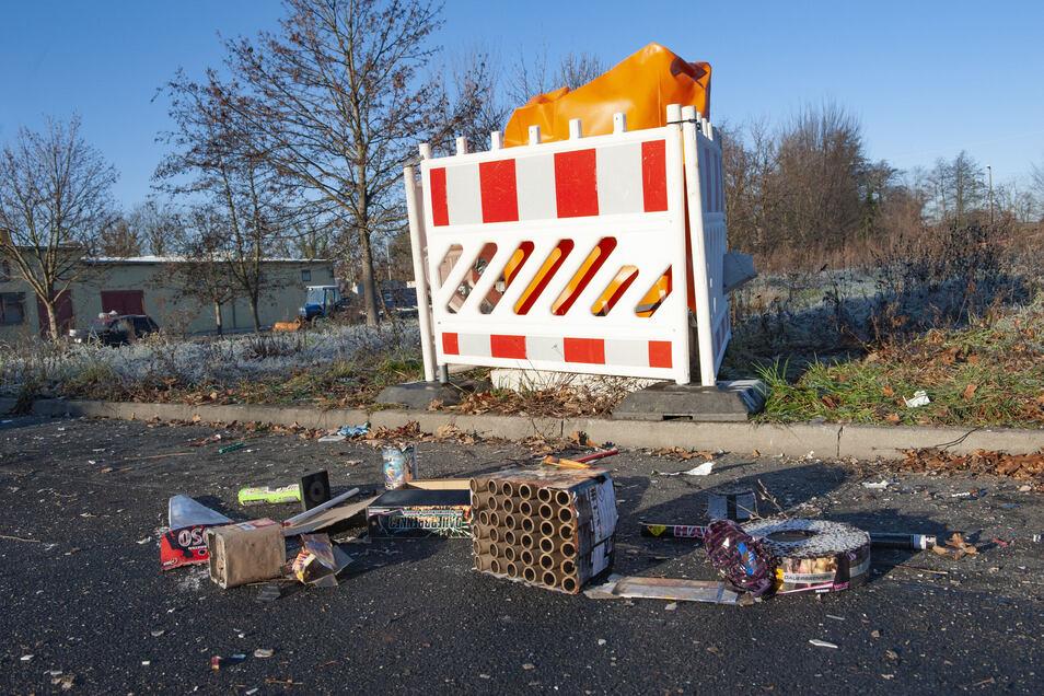In der jüngsten Silvesternacht wurde unter anderem ein Schaltkasen an der Elmo-Brücke komplett durch Böller zerstört.