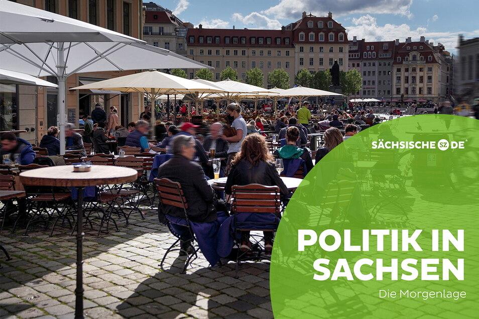 Die Biergärten, wie hier in Dresden, waren am Pfingstwochenende trotz wechselhaftem Wetter gut besucht.