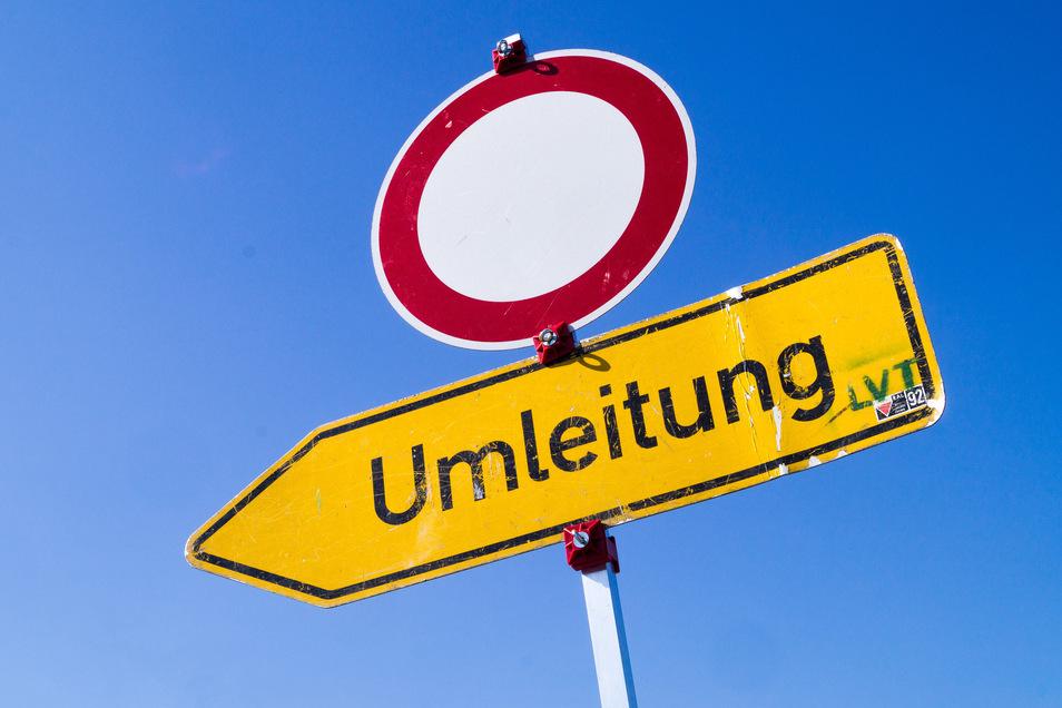 Bis Mitte August wird auf der Dresdner Straße in Freital gebaut.