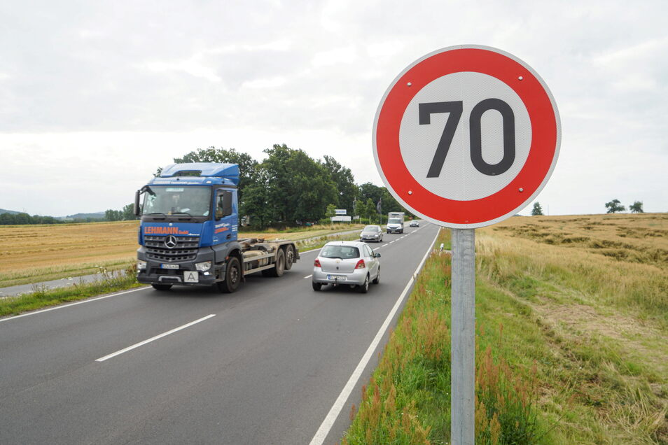 Auf einer rund 300 Meter langen Strecke der B 96 zwischen Oberkaina und Ebendörfel gilt neuerdings ein Tempolimit von 70 Stundenkilometern.