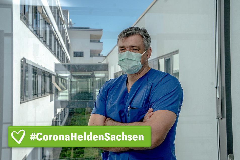 Um weiterhin seinen Dienst im Bautzener Krankenhaus verrichten zu können, lebt Oberarzt Dariusz Moleda aus Polen derzeit von seiner Familie getrennt.