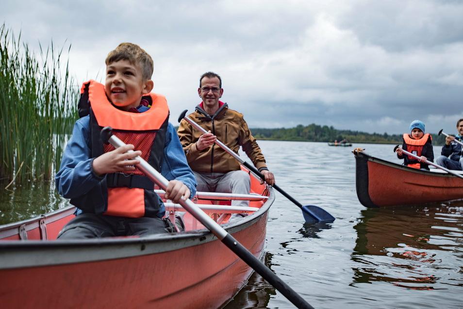 Das Abenteuercamp in Deutschbaselitz wird vom Netzwerk für Kinder- und Jugendarbeit Bischofswerda angeboten. Auch dort kommen Jugendleiter zur Betreuung der Campteilnehmer zum Einsatz.
