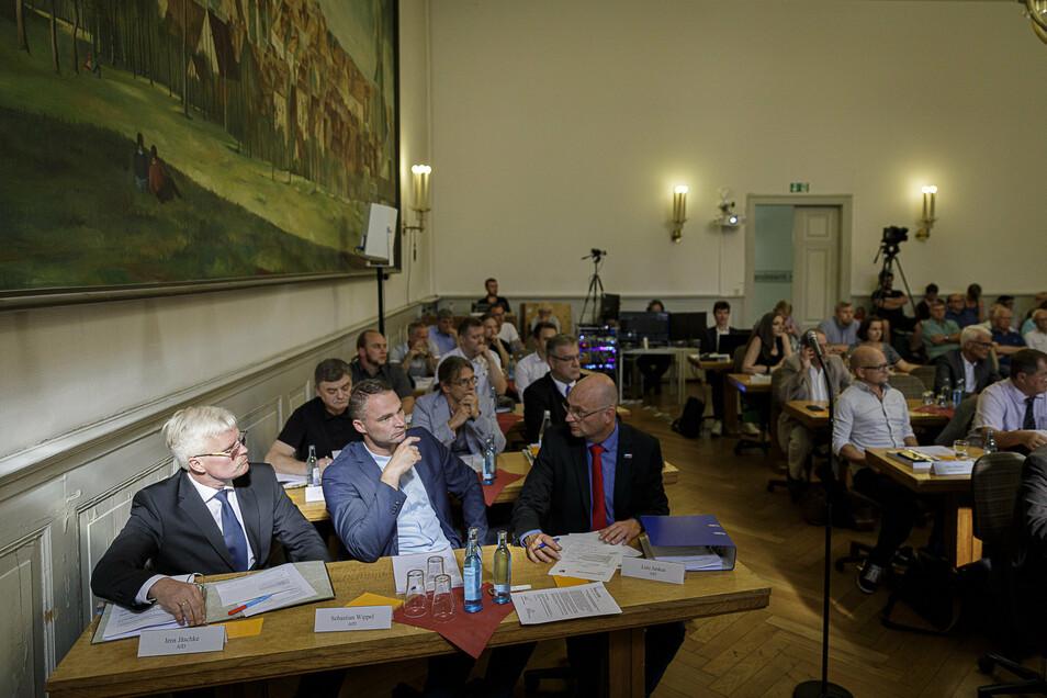 Muss seinen Platz räumen: Jens Jäschke (vorne links) ist nicht mehr Mitglied der Görlitzer AfD-Fraktion.