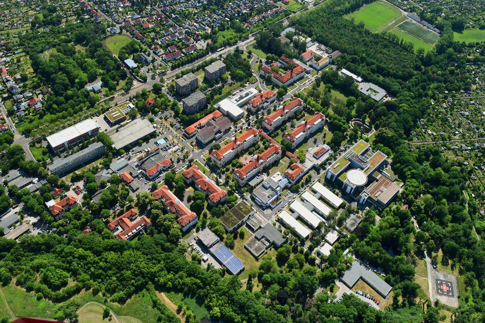 Das Luftbild zeigt das Gelände des Klinikums St. Georg in Leipzig. Eine Frau aus einem nordsächischen Dorf unterbreitete dem Großkrankenhaus ein Schutzmasken-Angebot, das sich als heiße Luft erwies.
