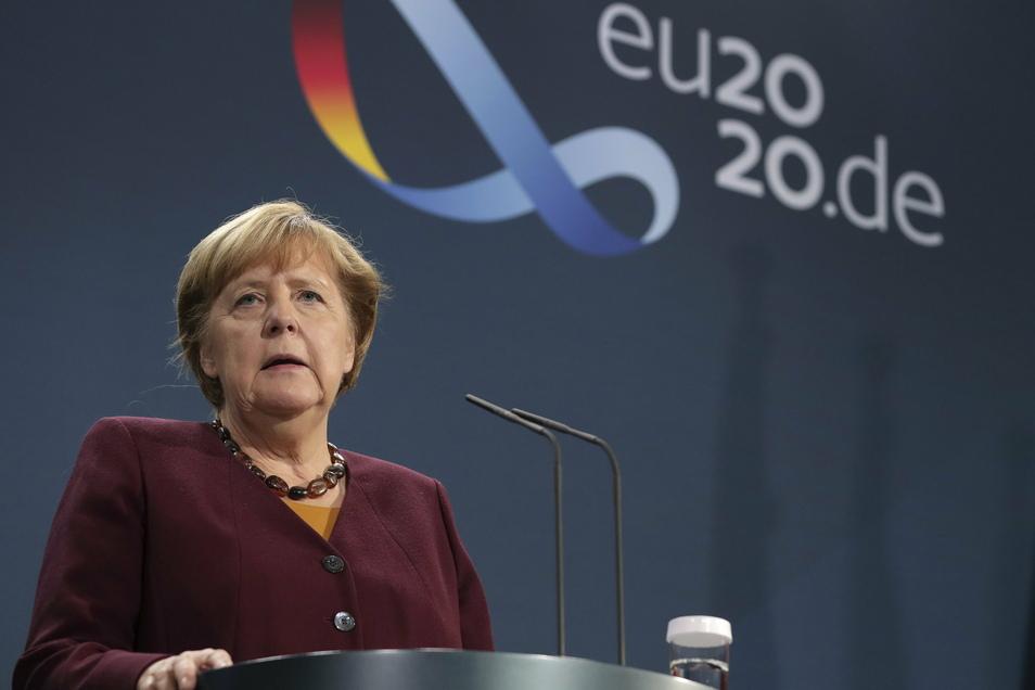 Bundeskanzlerin Angela Merkel hofft auf eine schnelle Zulassung der Corona-Impfstoffe.