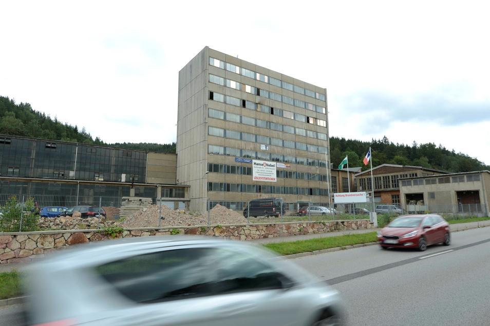 Ein Beispiel für eine Industriebrache ist das ehemalige Verwaltungshochhaus des VEB Ferdinand Kunert.