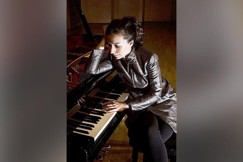 Die Pianistin Yulianna Avdeeva spielt am Sonnabend in Gohrisch, zwar nicht vor Publikum, dafür aber ist Aufnahme dann weltweit zu hören.