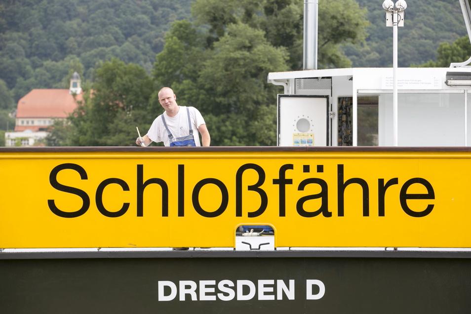 Die Schloßfähre in Pillnitz war einen reichlichen Monat außer Betrieb. Es mussten unbedingt nötige Arbeiten erledigt werden.
