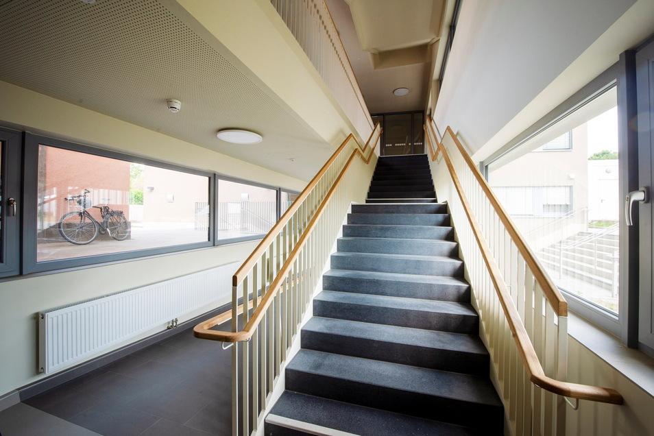 Im Verbindungsbau befindet sich das Treppenhaus