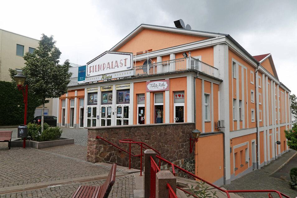 Gehört zum Stadtbild: Der Filmpalast an der Hauptstraße.