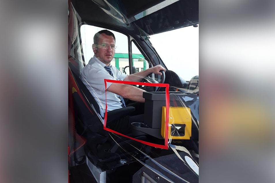 In den Bussen ist eine Schutzfolie installiert worden.