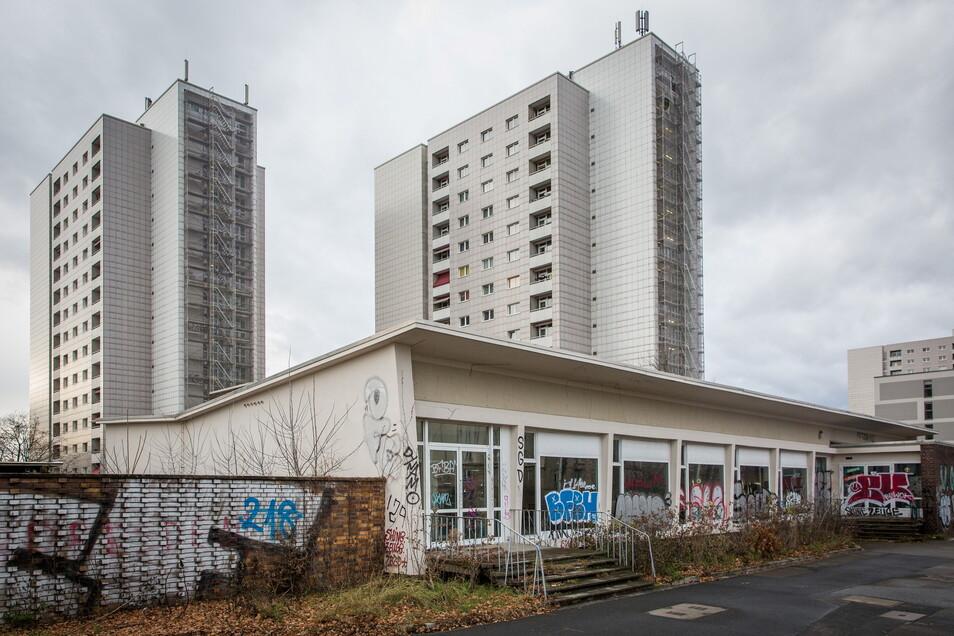 Die ehemalige Selbstbedienungsgaststätte Picknick auf der Grunaer Straße in Dresden muss weichen. Bis August gibt es noch eine Ausstellung in den Räumen.