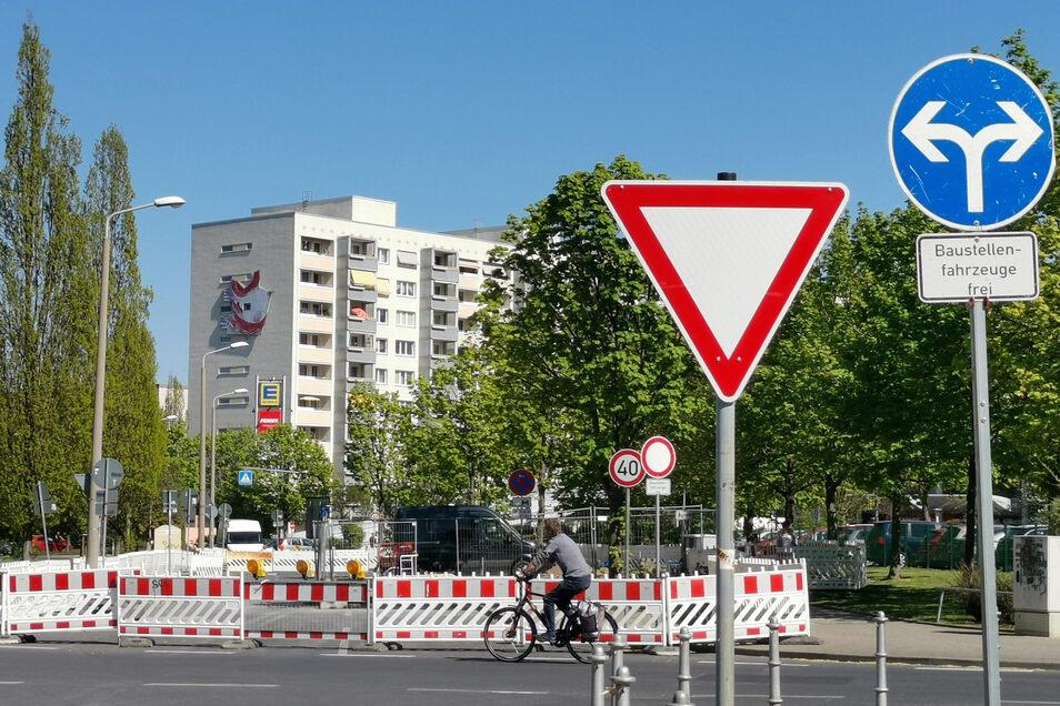 Die Gamigstraße in Prohlis ist wegen Bauarbeiten gesperrt - schon wieder. Anwohner fragen sich, warum.