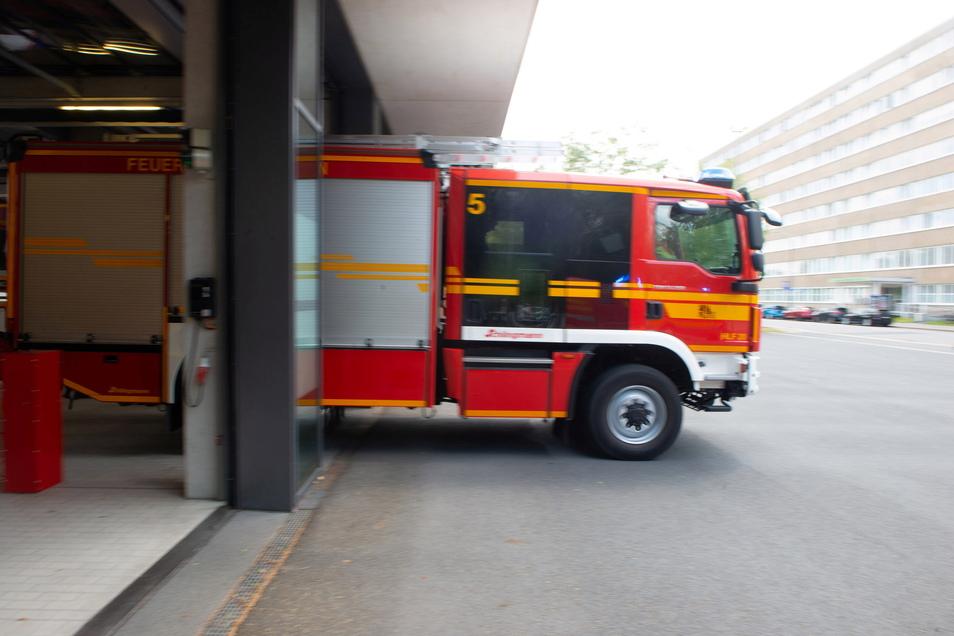 Die Dresdner Feuerwehr ist ausgerückt, um einen Rehbock zu befreien.