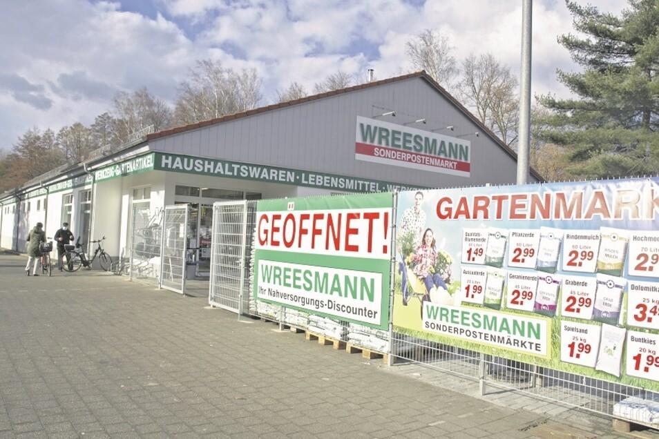 Bei Wreesmann in Krauschwitz war am Wochenende noch ein eingeschränktes Sortiment, konnten bestimmte Waren nur auf Bestellung geholt und bezahlt werden.