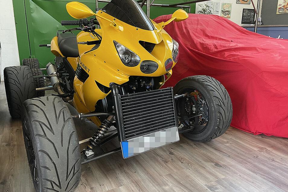 Auftragswerk: Für einen Kunden, der viel Autobahn fährt, hat Sebastian Jornitz dieses Turbo-Quad gebaut. Der Motor aus einer Kawasaki ZX-14R leistet 284 PS.