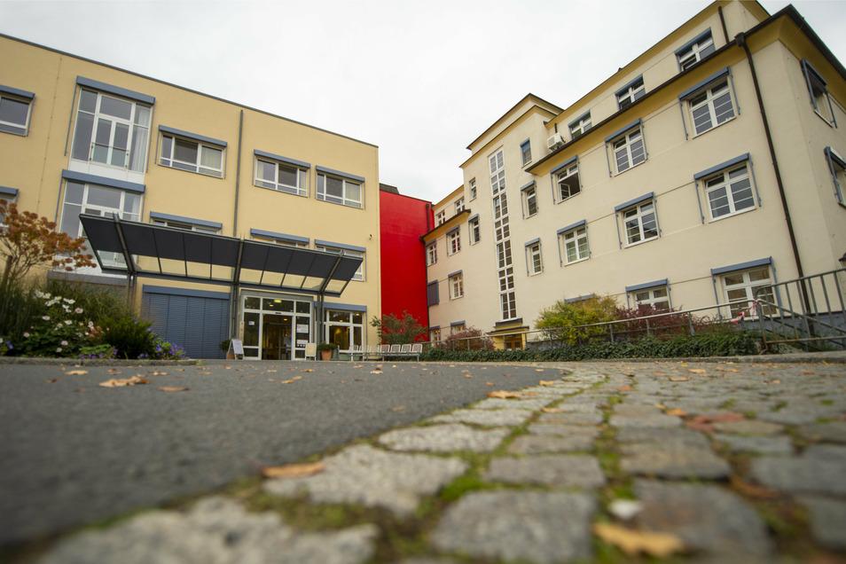 Das Fachkrankenhaus in Coswig ist die Spezialklinik für Lungenkrankheiten im Kreis Meißen. Hier erden auch Covid-19-Patienten intensiv behandelt.