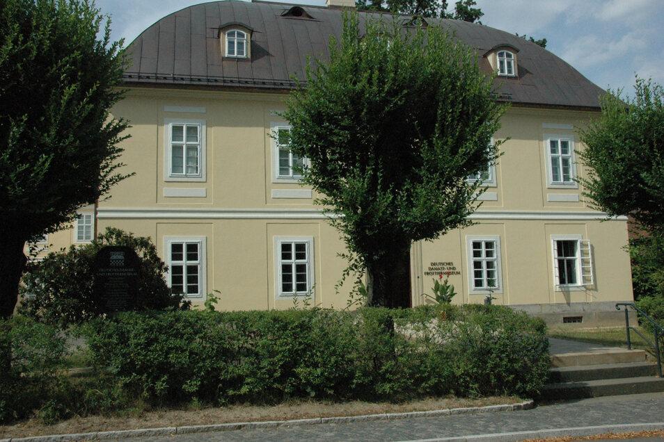 Gert Wagner engagiert sich für das Deutsche Frottier- und Damastmuseum in Großschönau.