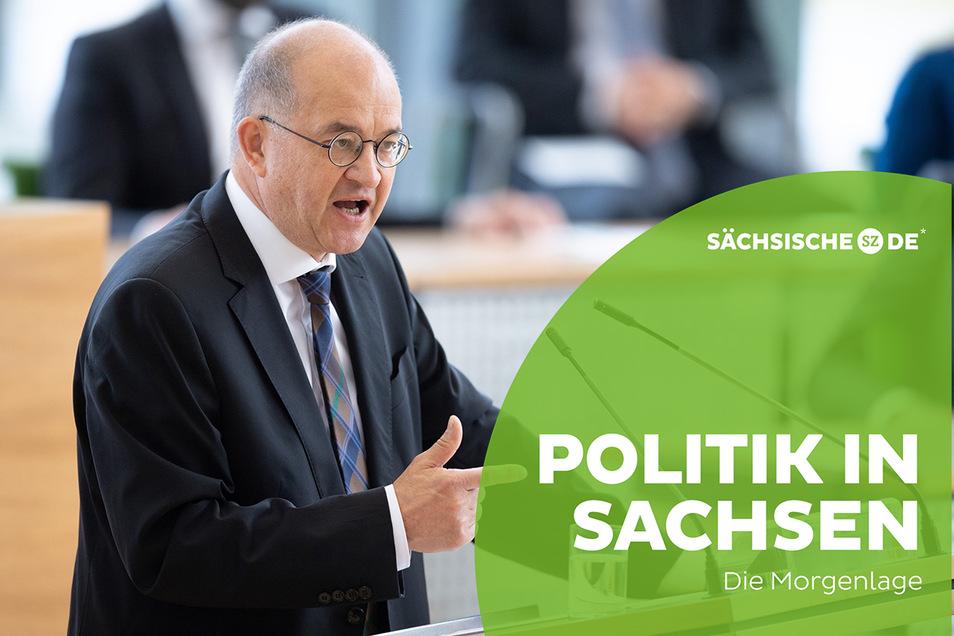 Der CDU-Bundestagsabgeordnete Arnold Vaatz bei seiner Rede im Landtag