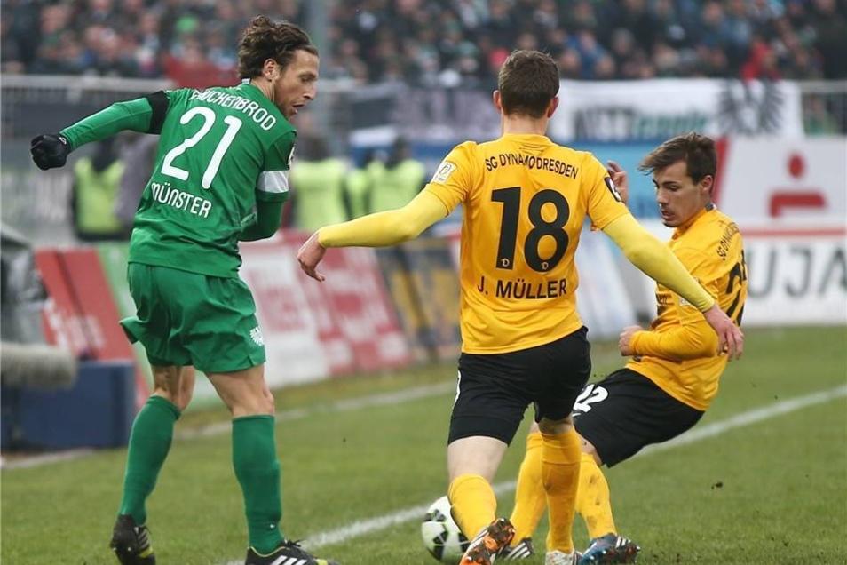 Preußen Münster hat das Top-Spiel der 3. Fußball-Liga gegen die SG Dynamo Dresden für sich entschieden.