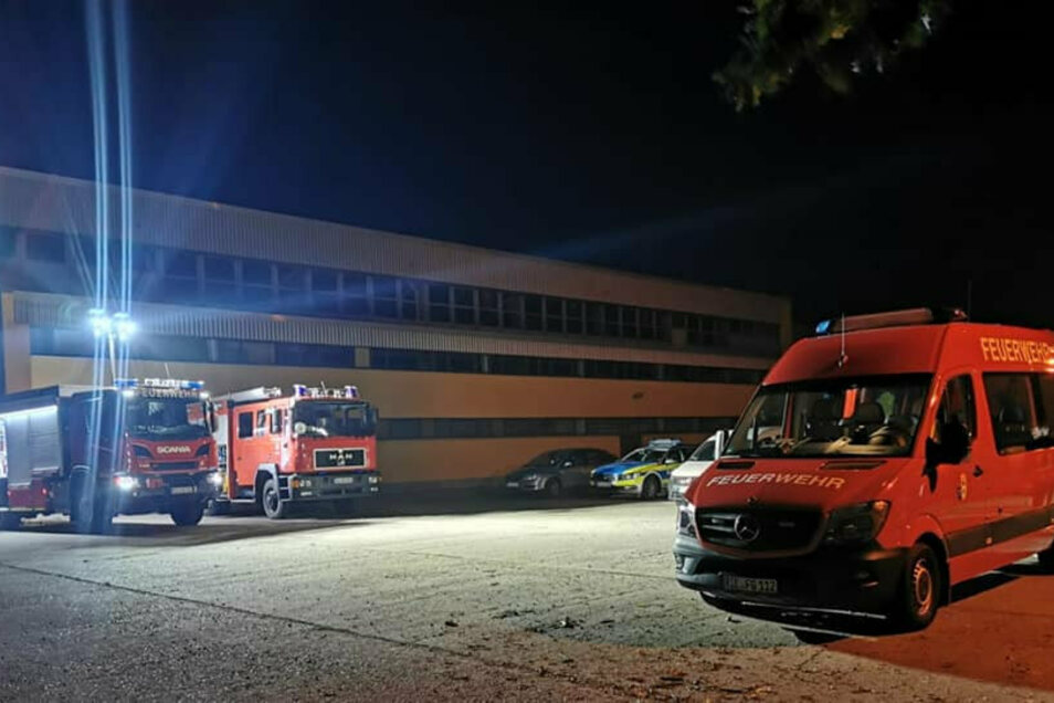Vier Stunden lang waren Feuerwehr und andere Rettungskräfte am Freitag in Gröditz im Einsatz. Bei Feldarbeiten war dort eine Gasleitung beschädigt worden.