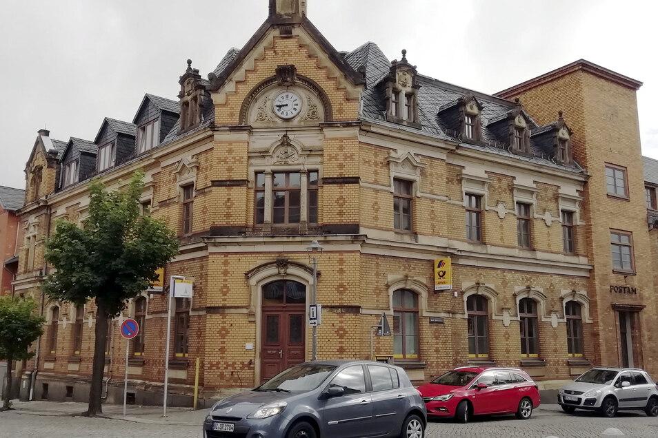 Das Postgebäude in Kamenz. Hier versuchte ein Kunde jetzt vergeblich, Ergänzungsbriefmarken für zehn Cent zu kaufen.