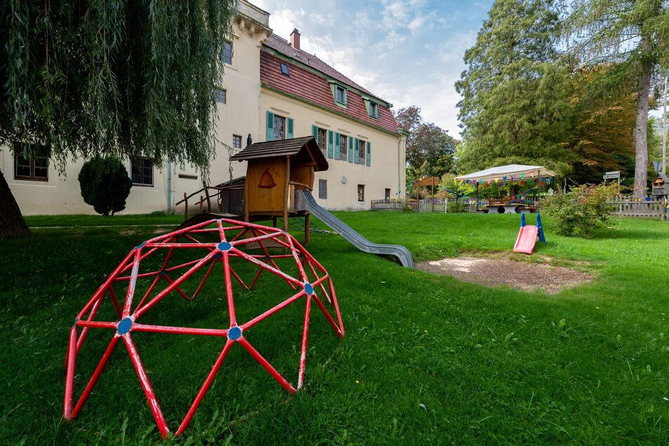 Der Kindergarten in Ulbersdorf ist im Schloss untergebracht. Das hat nicht nur Vorteile.