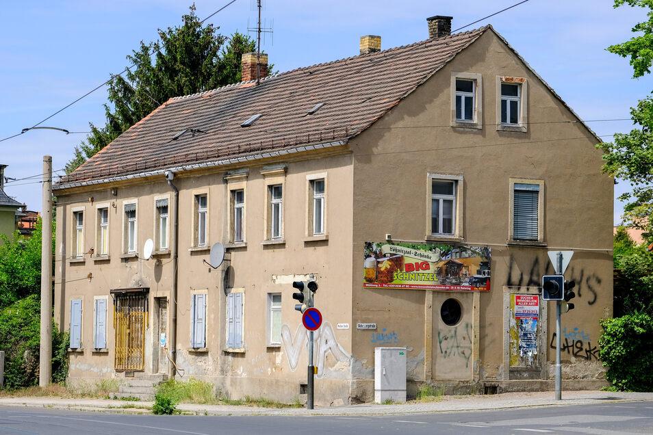 Sollte das Haus verkauft werden, will die Stadt zuschlagen, damit der Schandfleck verschwindet.